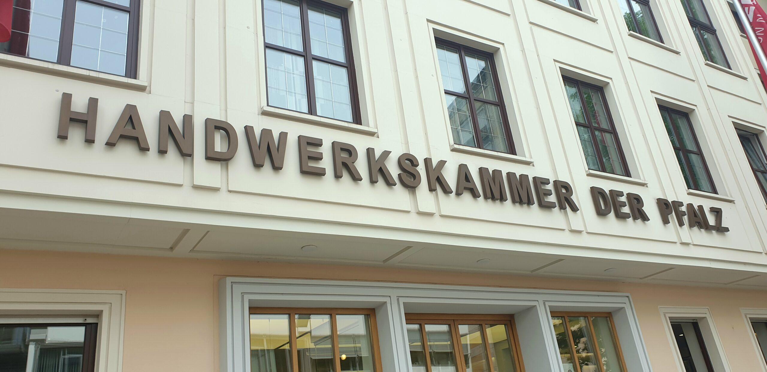 Handwerkskammer erhält fast 1 Million Euro Förderzusage vom Bund und schnürt Digitalpaket für ihre Bildungszentren