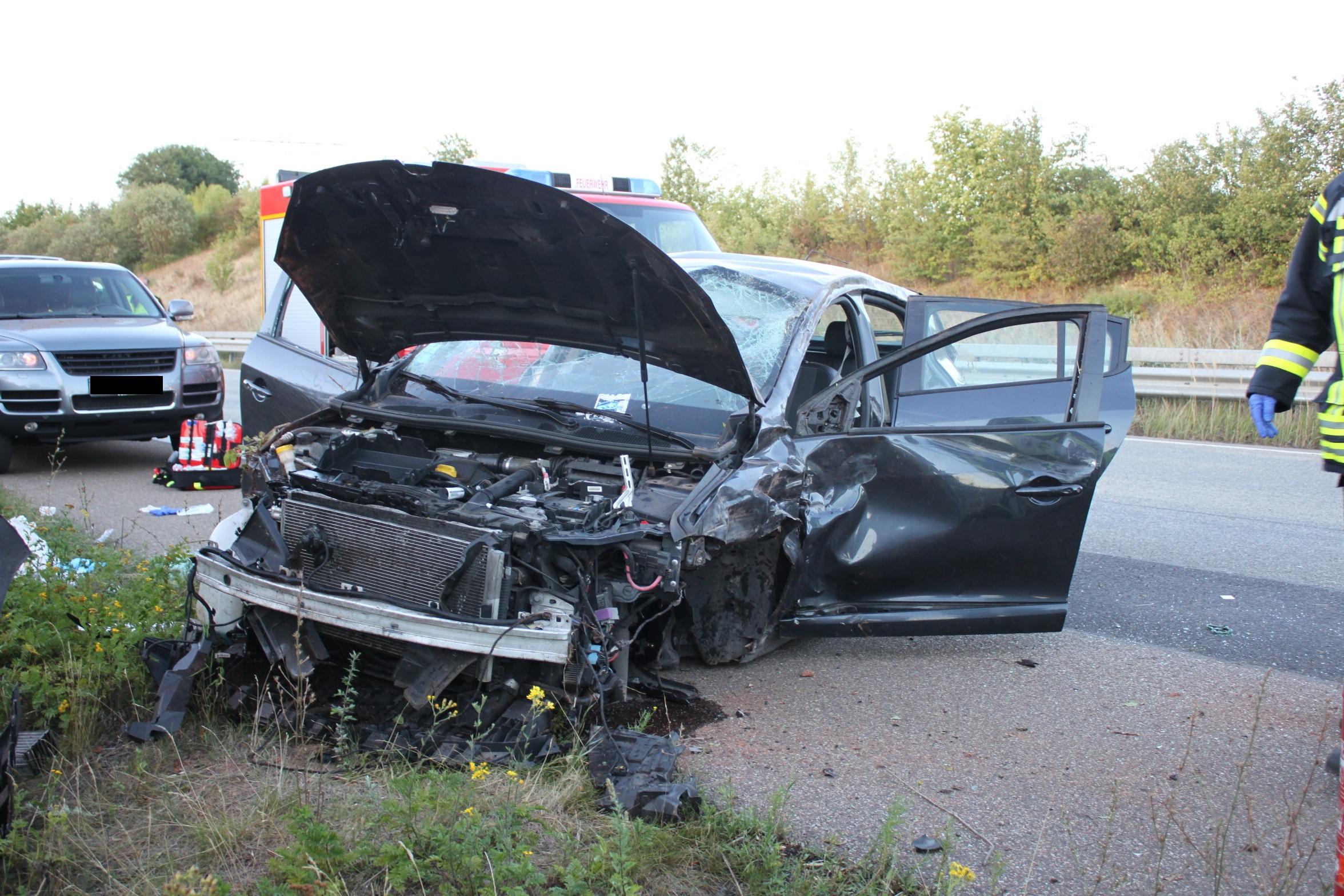A63/Winnweiler, Drei Leichtverletzte nach Überholvorgang