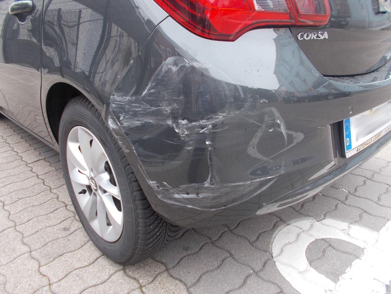 Verkehrsunfall mit Fahrerflucht