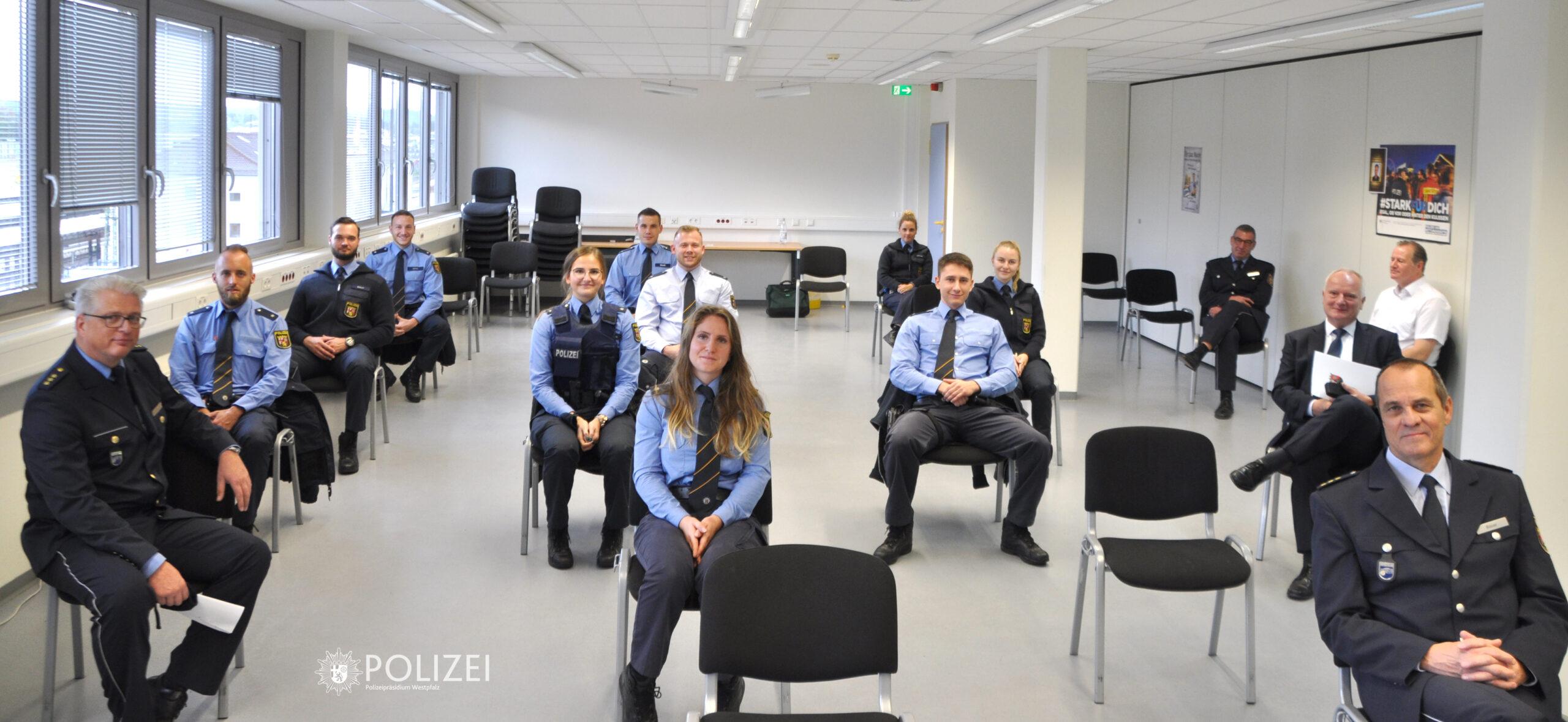 29 neue Polizistinnen und Polizisten im Polizeipräsidium Westpfalz