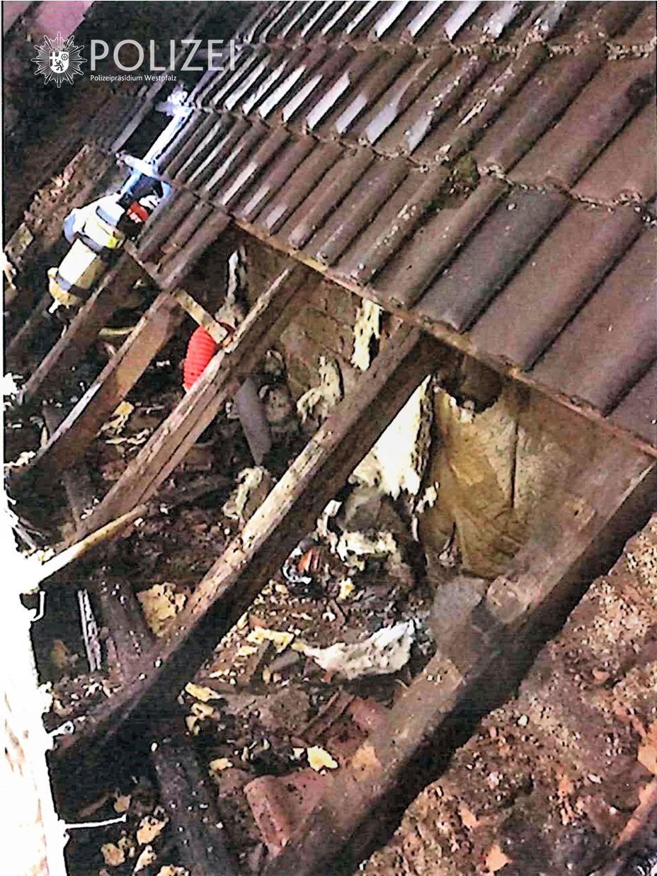 Brand an Haus-Anbau
