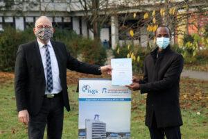 Student aus Ruanda für besonders gute akademische Leistungen geehrt