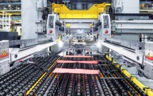 Technologie für sparsame Autos: Opel CEO Lohscheller weiht Anlage zur Warmumformung in Kaiserslautern ein