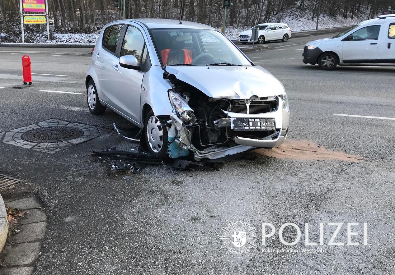 Unfall: Rotlicht missachtet