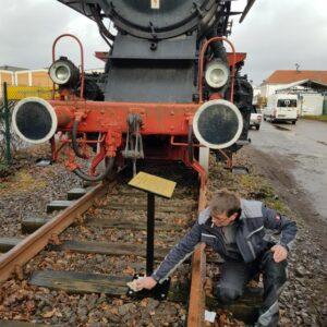 Neue Infotafel für alte Dampflokomotive