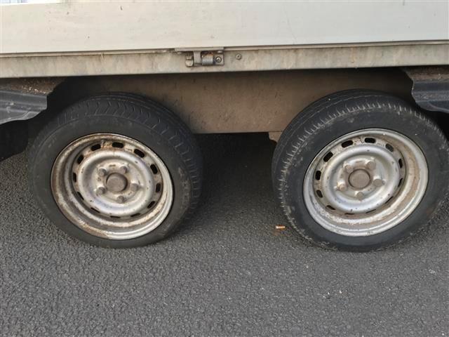 Überladenen Transporter aus dem Verkehr gezogen