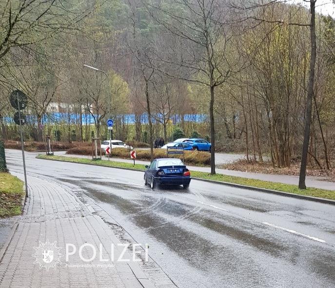Unfallflucht: Wer hat den BMW gesehen?