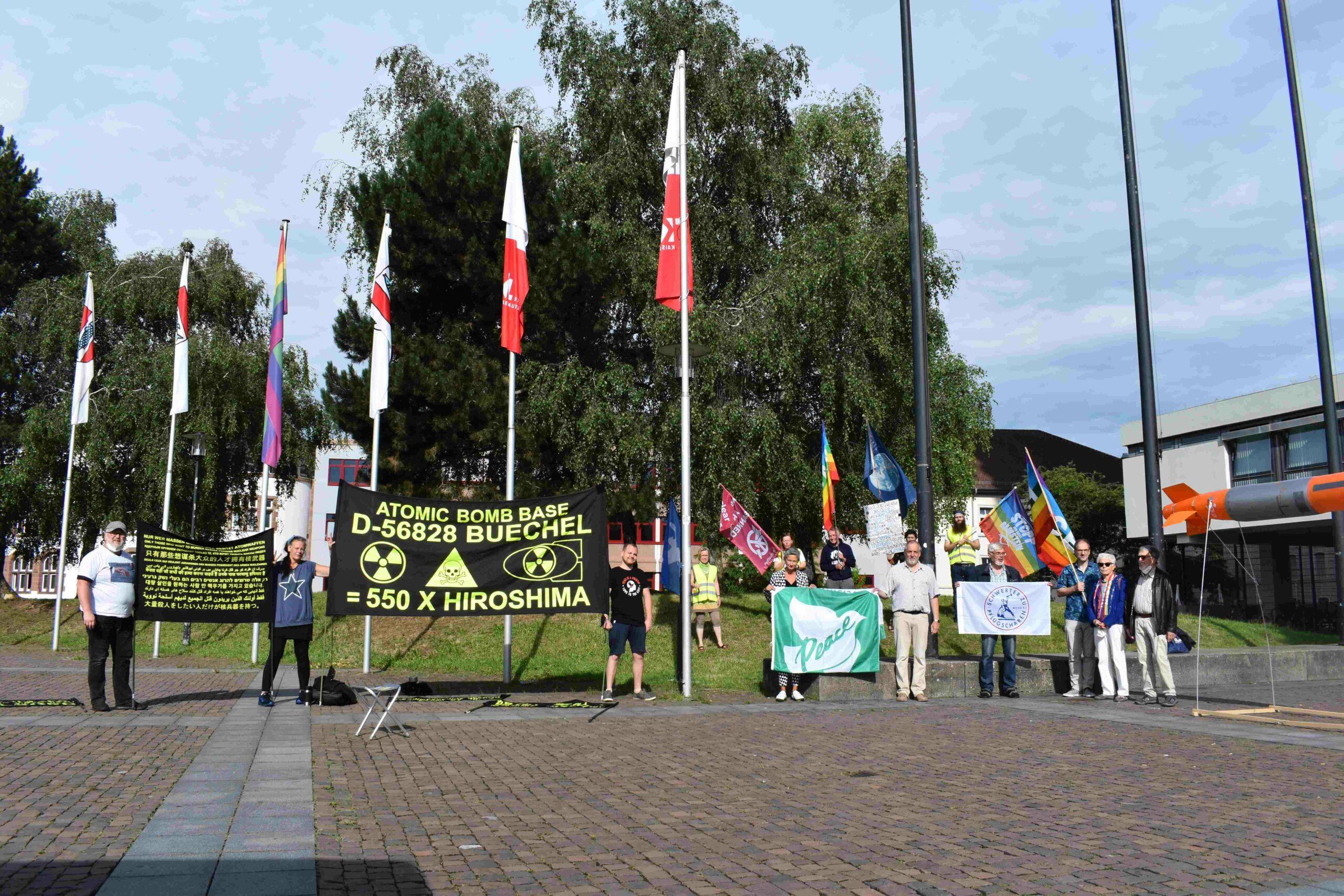 Kaiserslautern zeigt Flagge gegen Atomwaffen
