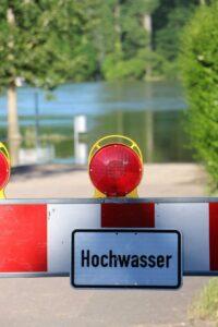 Einheiten des Katastrophenschutzes helfen im Hochwassergebiet